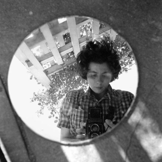 Vivianmaier_self_1953.jpg